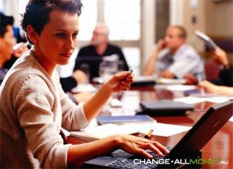 Компании ЕС могут законодательно обязать назначать женщин топ-менеджерами