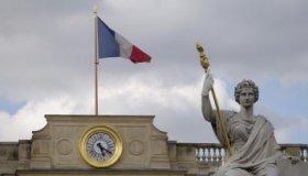 Получить гражданство Франции станет проще