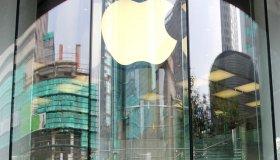 Apple Store займутся прямыми продажами в России