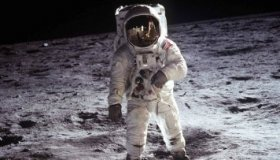 Умер легендарный Нил Армстронг